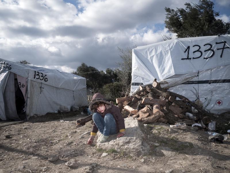 Boήθησέ μας να παρέχουμε προστασία στους πρόσφυγες στη Λέσβο
