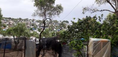 """Η Μόρια και η """"κρίση αλληλεγγύης""""-Δικηγόρος του ΕΣΠ καταγράφει τη σκληρή πραγματικότητα στη Λέσβο στο blog της OXFAM"""